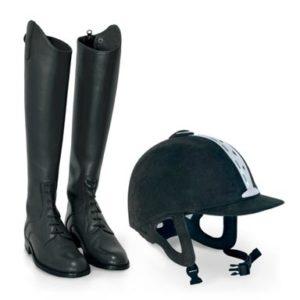 casco y botas montar