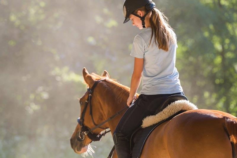 Como montar caballo